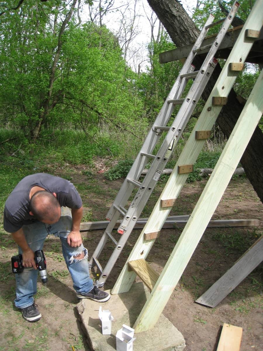 how to build a treehouse ladder