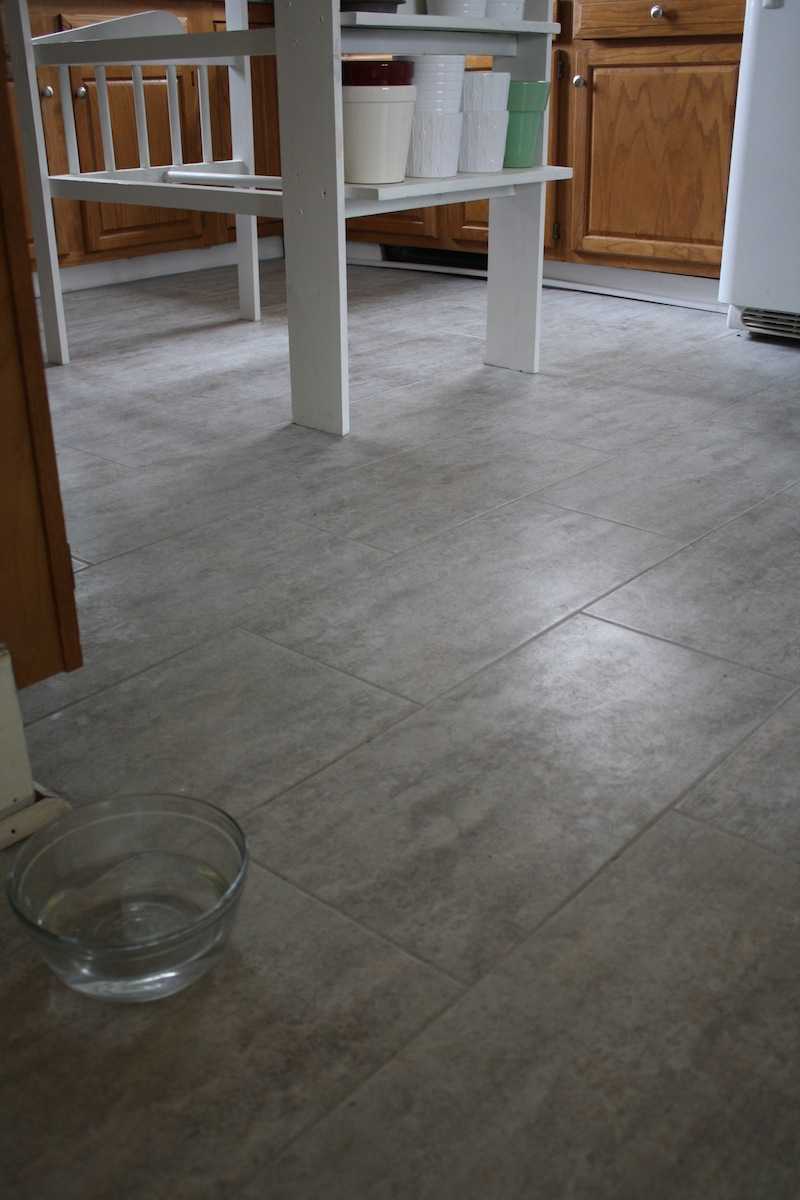 Tips for installing a kitchen vinyl tile floor merrypad for Tiling kitchen floor