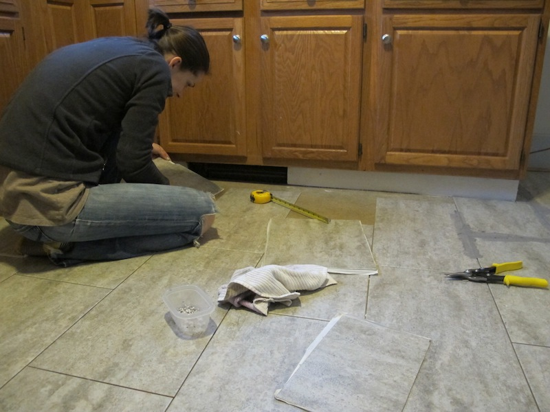 Tips for installing a kitchen vinyl tile floor merrypad for Kitchen flooring installation