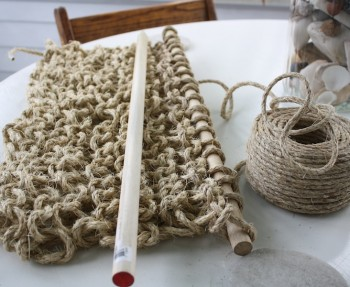 How to knit a jute rug.