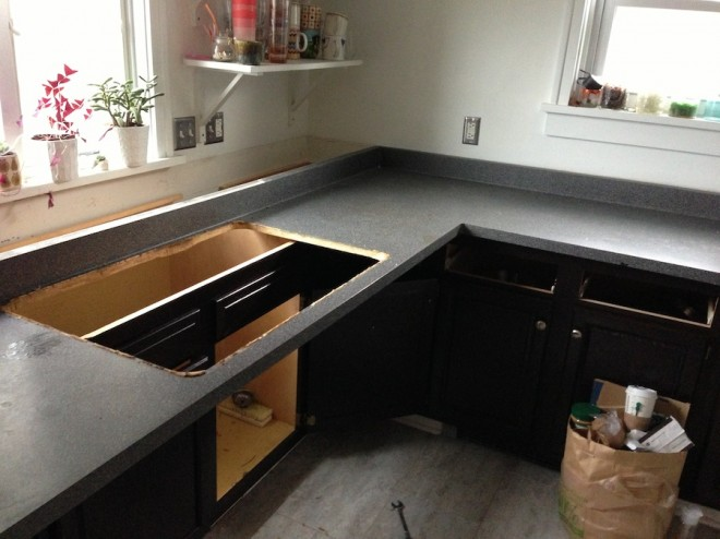 Starting to remove the kitchen countertop.