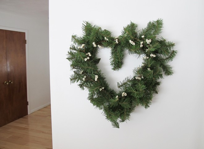 How to make a heart-shaped wreath.