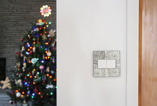 Custom wall plates for the holidays thanks to Legrand's Adorne line.