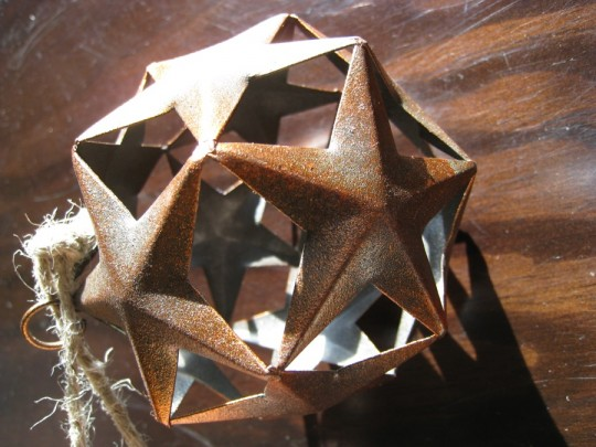 Joined stars ornament - I stuck this one on the top of the faux-tree this year.