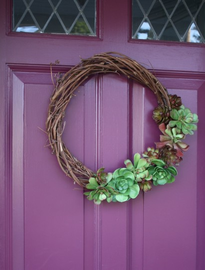 Finished wreath on front door.