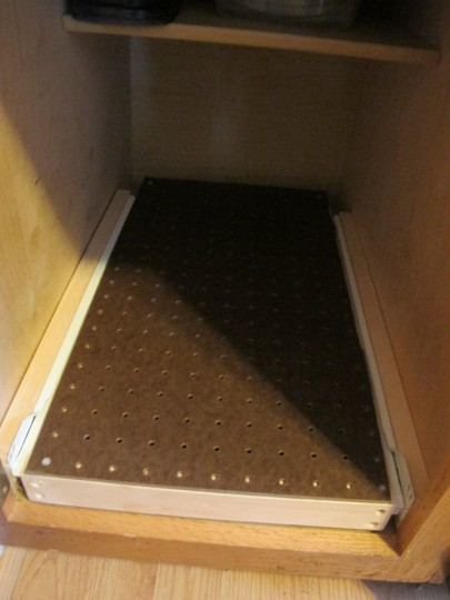 Pegboard drawer top in place.