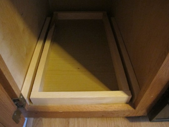 Dry-fitting all pieces of the sliding drawer, by golly I think it's going to work.