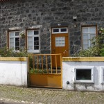 My favorite house in Sete Cidades, the stone with accents of gold and white looked really beautiful in person.
