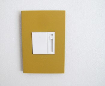 legrand_honey_wall_plate_installed